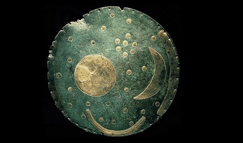 небесный диск из небры, небесный диск, небесный диск обнаруженный в небре, небесный диск из небры фото