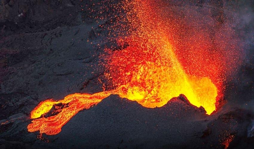 вулканы, кратер вулкана, жерло вулкана