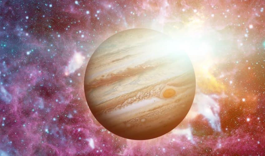 Юпитер: крупнейшая планета Солнечной системы