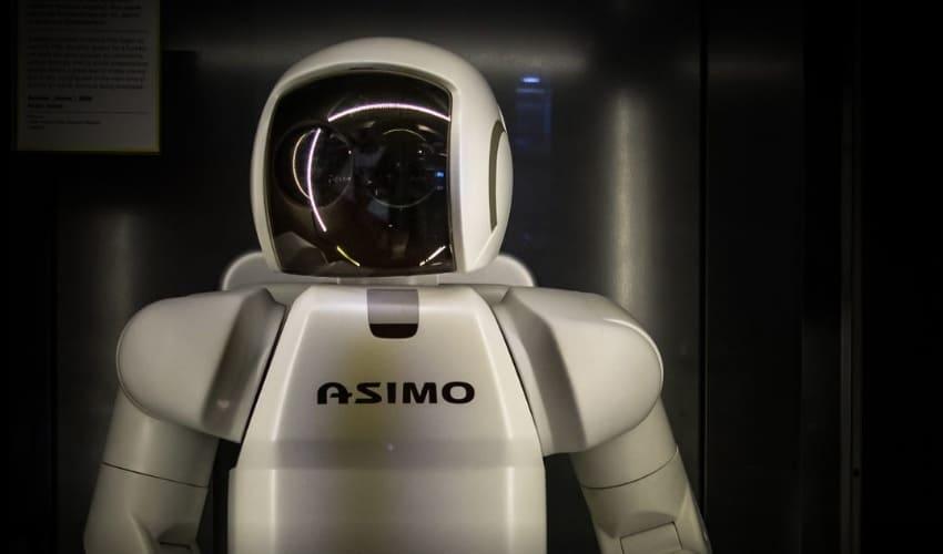 робот асимо, робот который помогает по хозяйству, робот мару, робот помощник