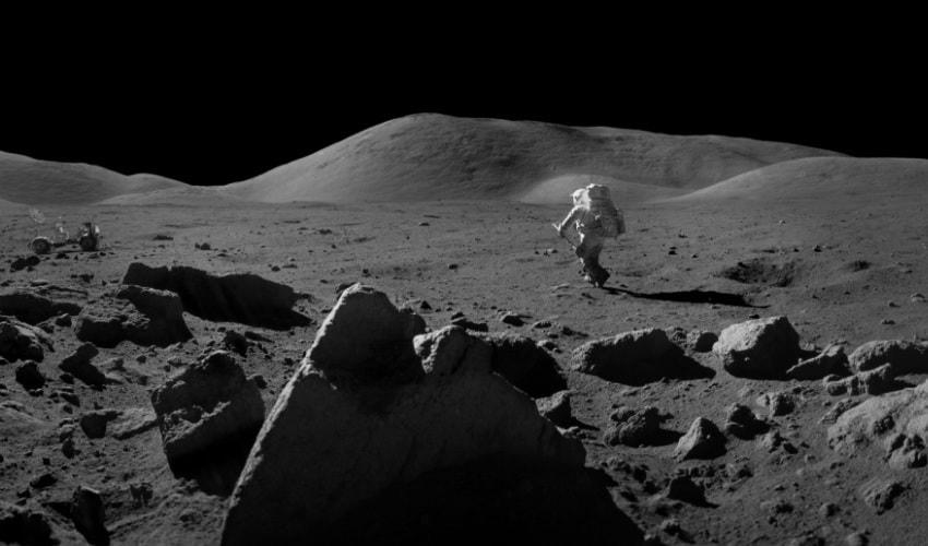 есть ли на луне люди
