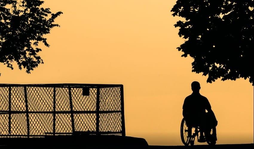 Почему люди становятся инвалидами?