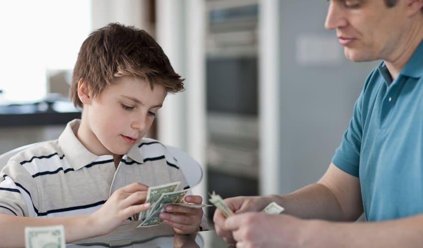 Что такое недельные карманные деньги?