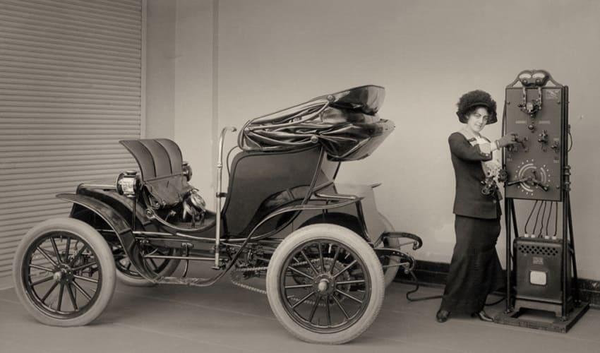 когда появились первые электромобили, первые электромобили