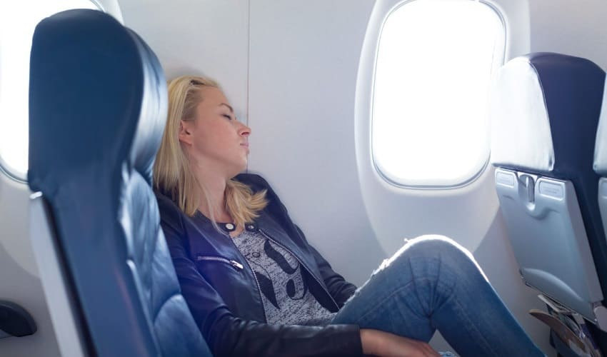 почему в самолете у меня иногда закладывает уши, почему в самолете иногда закладывает уши, почему в самолете закладывает уши, закладывает уши в самолете, закладывает уши