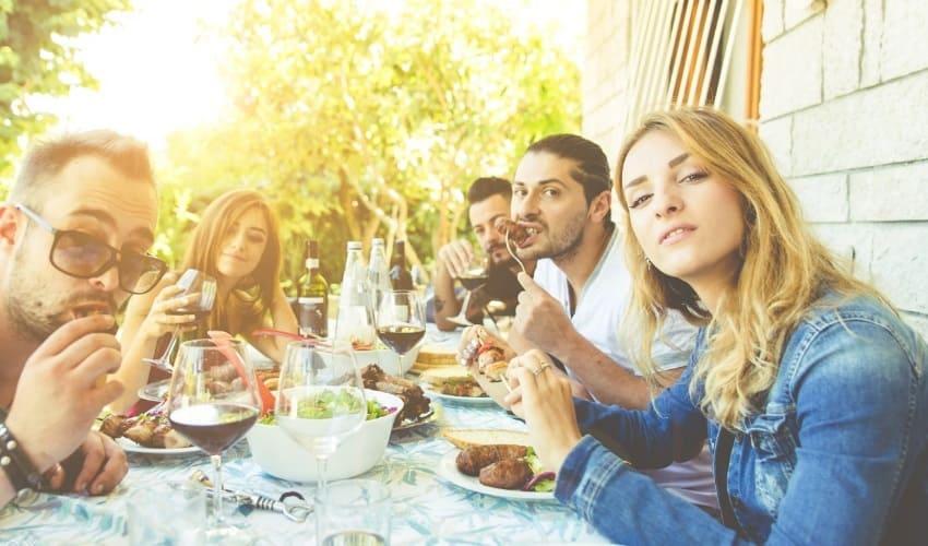 почему надо хорошо вести себя за столом, правила поведения за столом, как себя вести за столом, поведение за столом