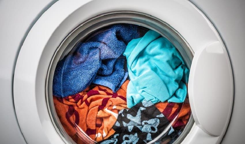 почему мою одежду надо стирать, почему одежду надо стирать, стирать одежду, стиральная машина, стиральный порошок