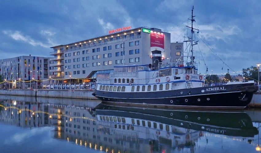 Казино «Адмирал»: трудовые будни международного игорного бизнеса