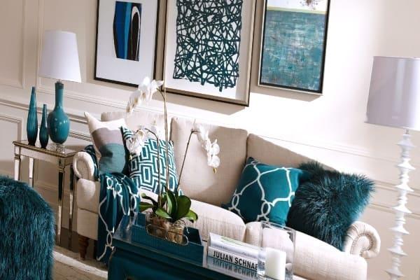 Какую роль играют кресла и люстры в дизайне интерьера?